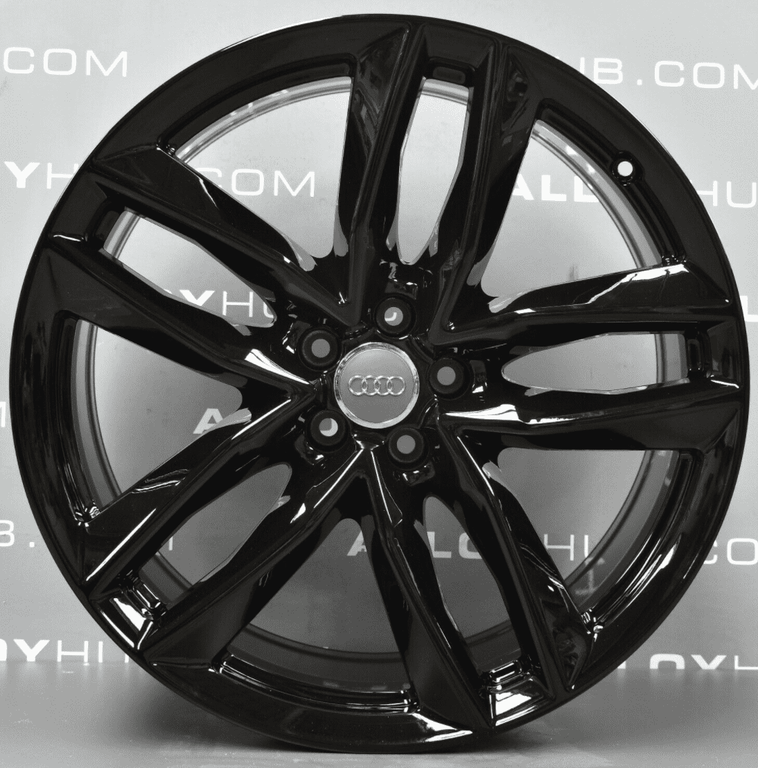 Genuine Audi Q7 4M RS 21″ inch 5 Twin Spoke Alloy Wheels with Gloss Black Finish 4M0 601 025 S