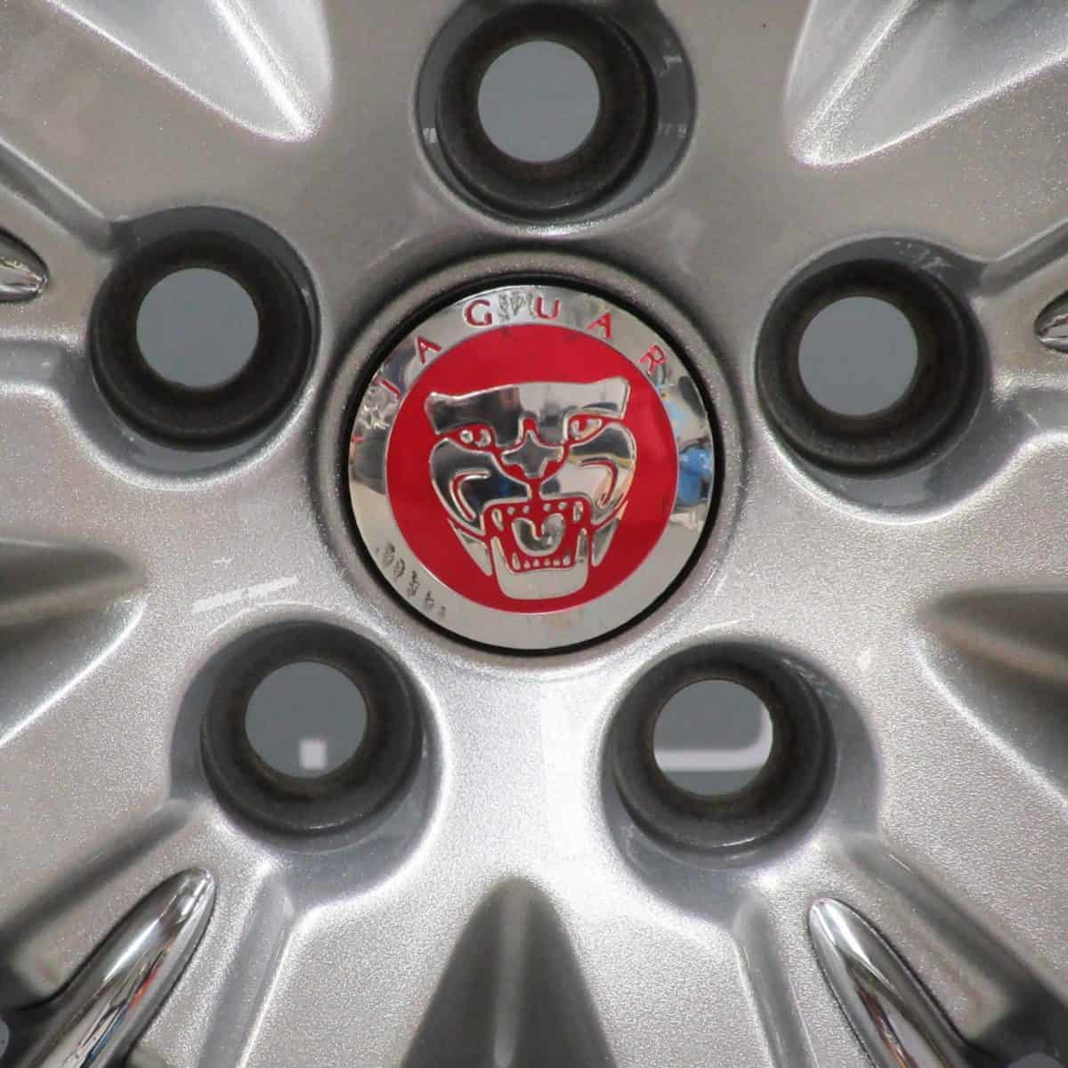 JAGUAR XK Selena 5 Twin Spoke 20″ Silver Alloy Wheel