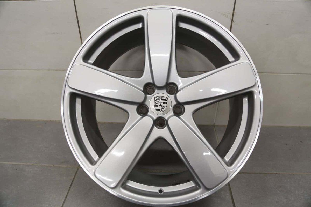 "Genuine Porsche Macan 95B Sport Classic 19"" Inch Alloy Wheels with Silver Finish 95B601025BKM7Z 95B601025BLM7Z"